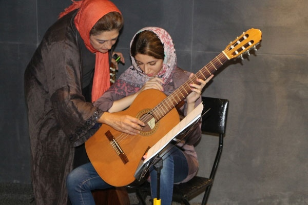 مستر-کلاس-دکتر-لیلی-افشار-آموزشگاه-موسیقی-آذرنگ