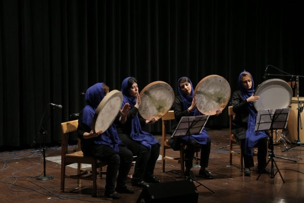 آموزشگاه-موسیقی-آذرنگ-آموزش-دف