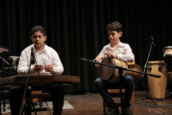 آموزشگاه-موسیقی-آذرنگ-آموزش-سنتور-و-تنبک
