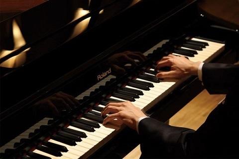 آشنایی با پیانو- آموزشگاه موسیقی آرنیک